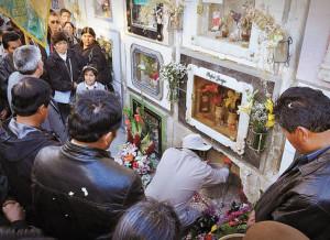 Sepelio de Rene Huanca, arrollado el martes por un a volqueta en La Paz.