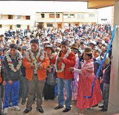 Inauguración de aulas en El Alto