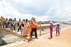 Inauguran canalización Rio Seke