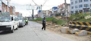 Destrozos Jardinera Calle 2 En El Alto - Agencias